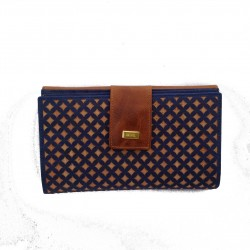 Cartera Fifty Six